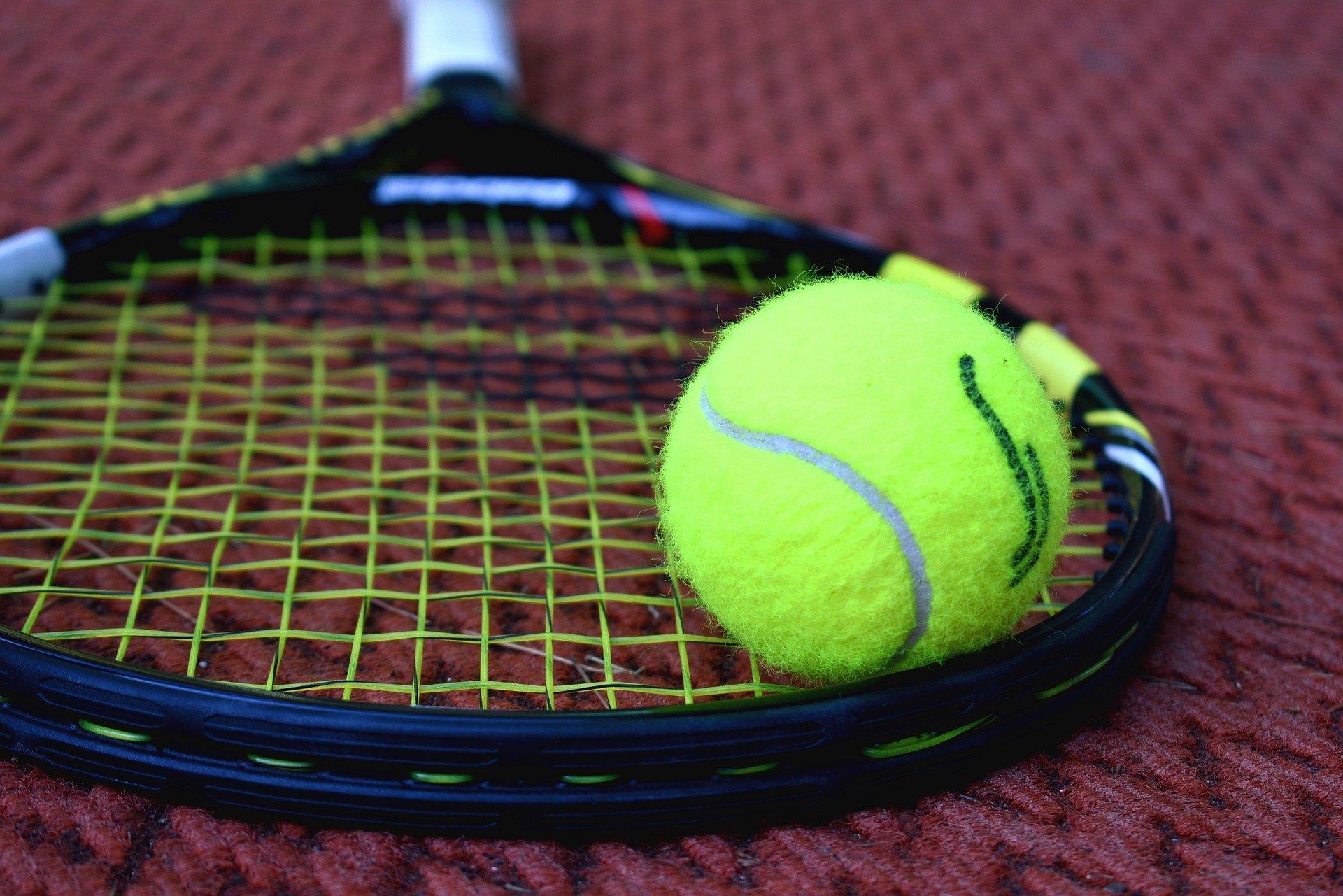 tennis-3552627_1920